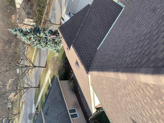 Timberline HDz Barkwood & Pebblestone roof
